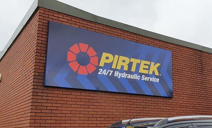 Pirtek Wolverhampton sign and logo